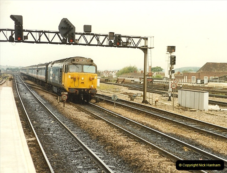 1989-09-30 Reading, Berkshire.  (14)0511