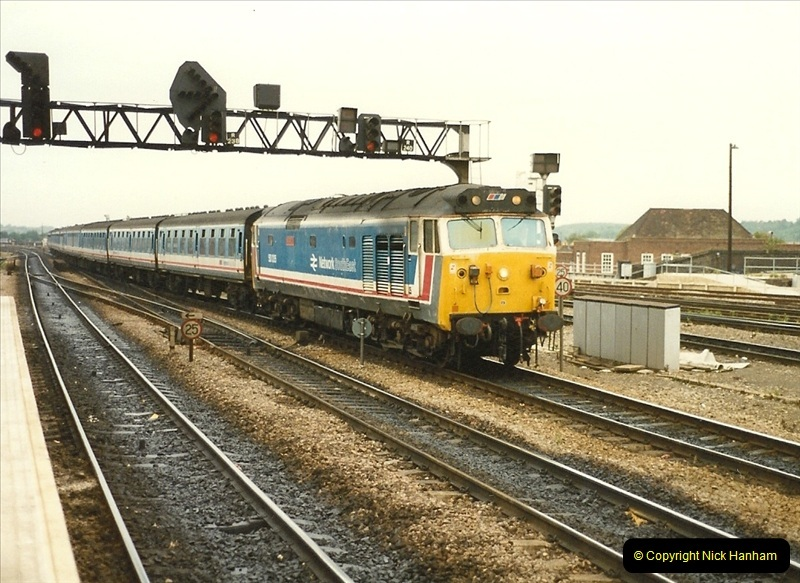 1989-09-30 Reading, Berkshire.  (15)0512
