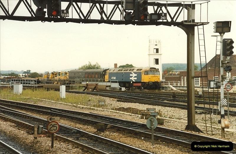 1989-09-30 Reading, Berkshire.  (16)0513