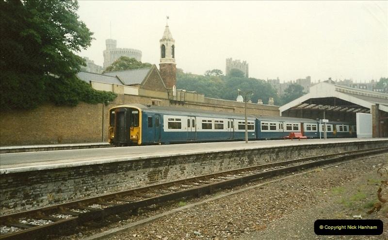 1989-10-01 Windsor, Berkshire.  (2)0528