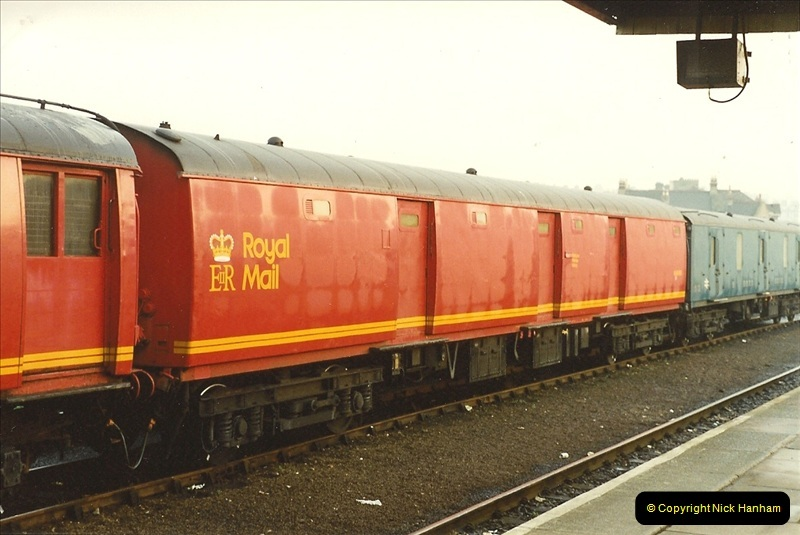1989-10-27 Plymouth, Devon.  (3)0583