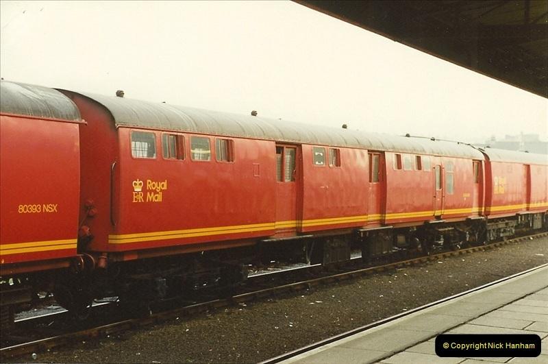 1989-10-27 Plymouth, Devon.  (4)0584