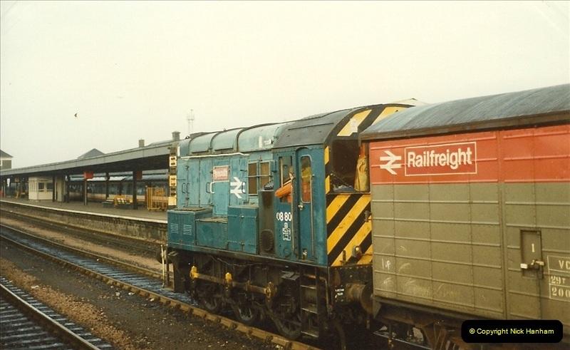 1989-10-27 Plymouth, Devon.  (14)0594