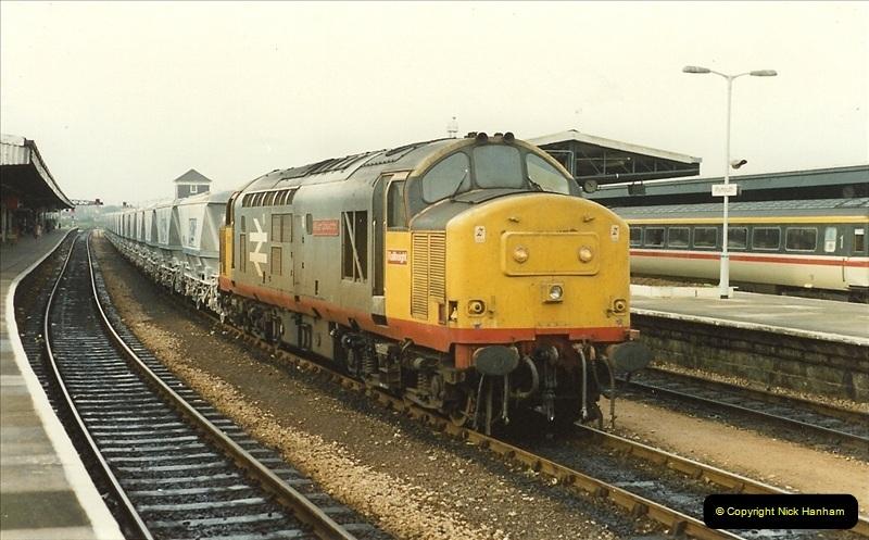 1989-10-27 Plymouth, Devon.  (15)0595
