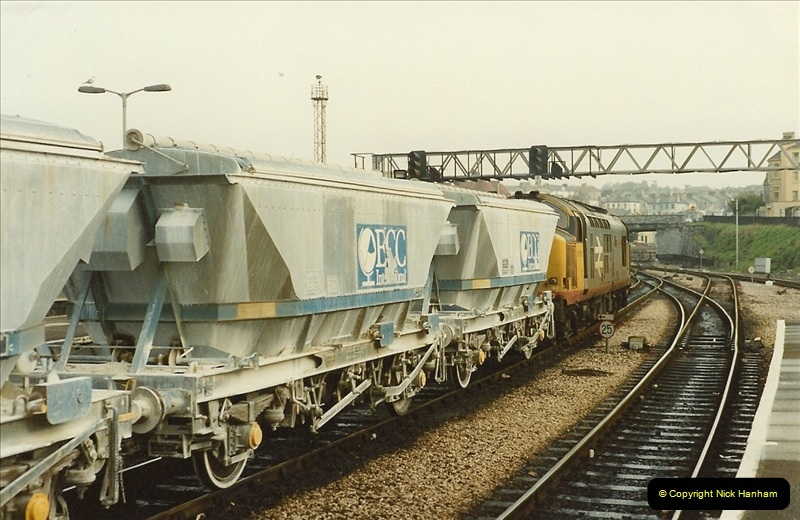 1989-10-27 Plymouth, Devon.  (16)0596