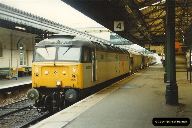 1989-10-28 Exeter St. Davids, Exeter, Devon.  (8)0611
