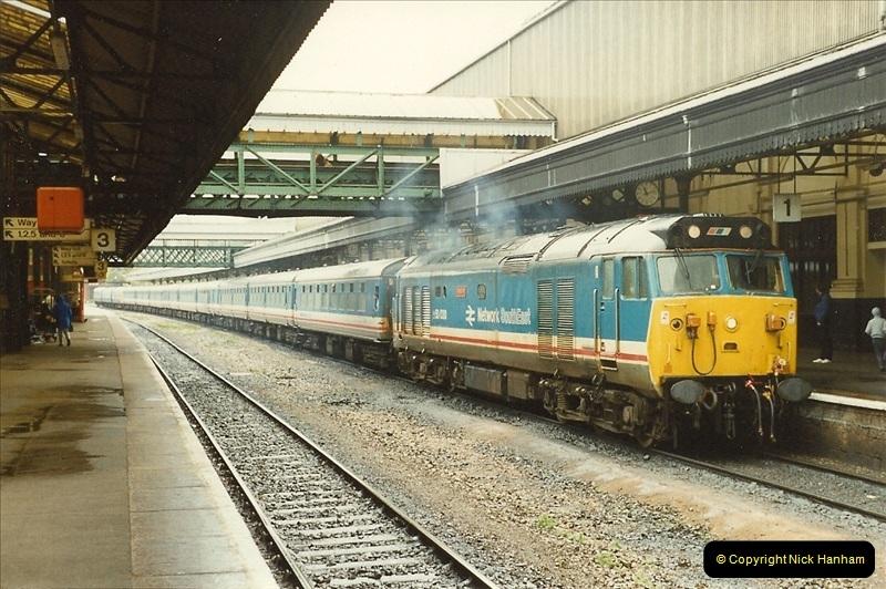 1989-10-28 Exeter St. Davids, Exeter, Devon.  (12)0615
