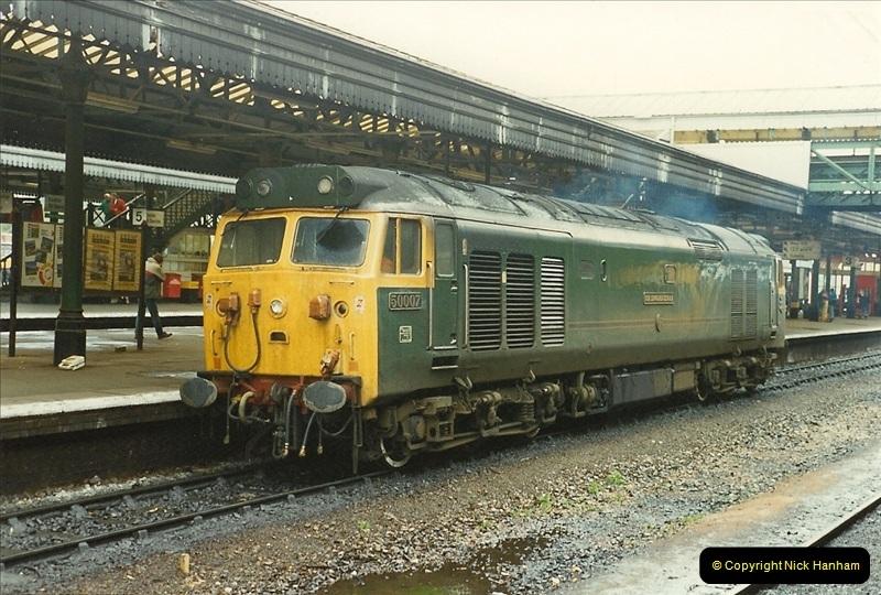 1989-10-28 Exeter St. Davids, Exeter, Devon.  (22)0625