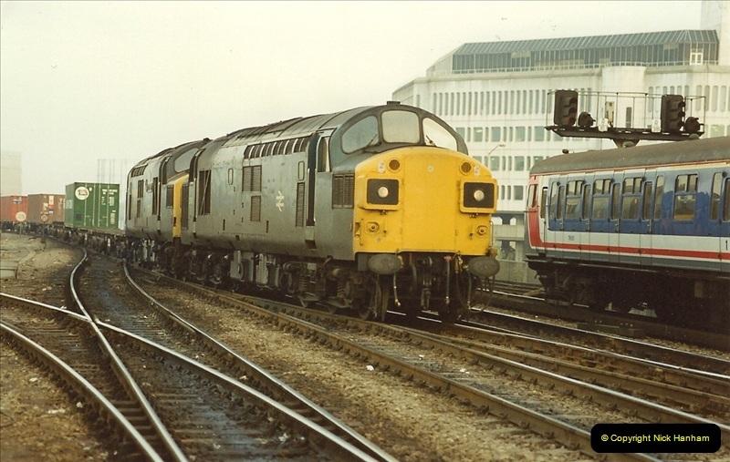 1990-01-04 Reading, Berkshire.  (9)0686
