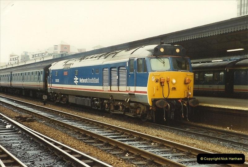 1990-03-03 Reading, Berkshire. (32)0758