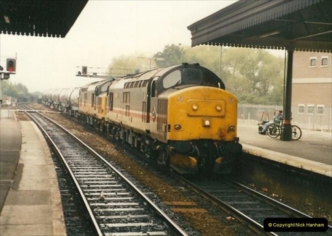 1991-10-27 Exeter St. Davids, Eexeter, Devon.  (4)182