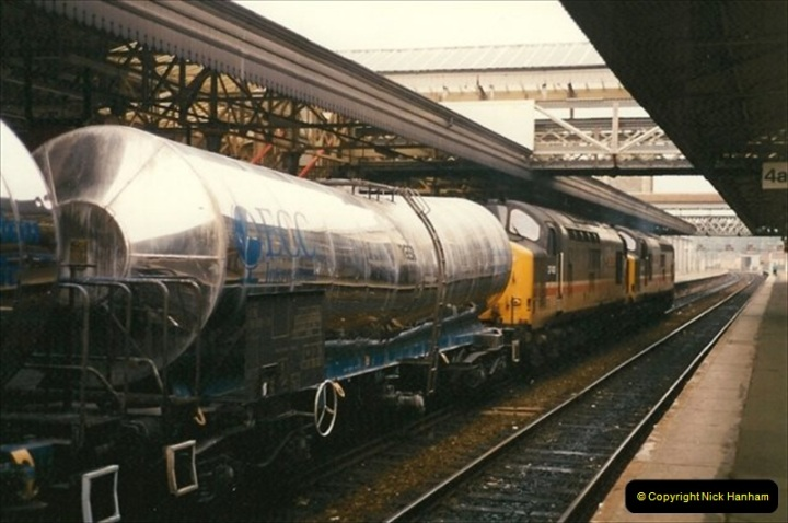 1991-10-27 Exeter St. Davids, Eexeter, Devon.  (5)183