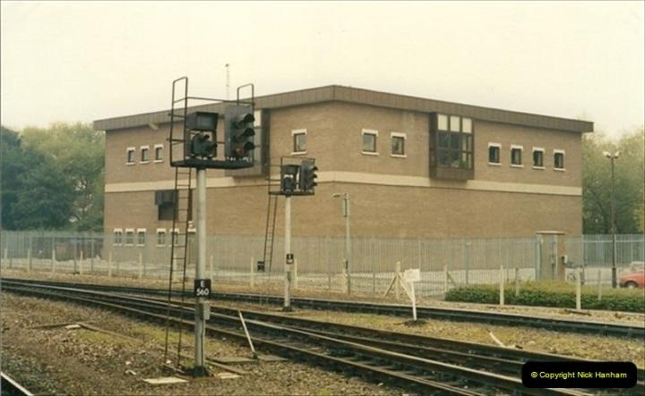 1991-10-27 Exeter St. Davids, Eexeter, Devon.  (10)188