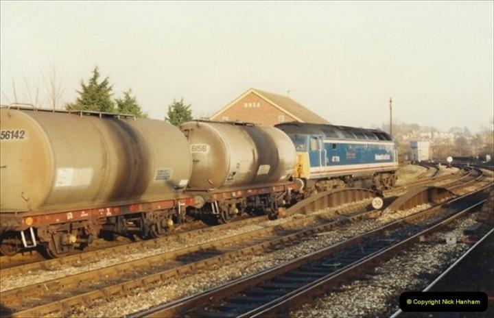 1992-01-06 Salisbury station, Salisbury, Wiltshire.  (9)228