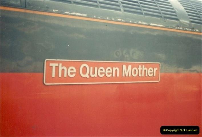 1992-01-06 Salisbury station, Salisbury, Wiltshire.  (18)237
