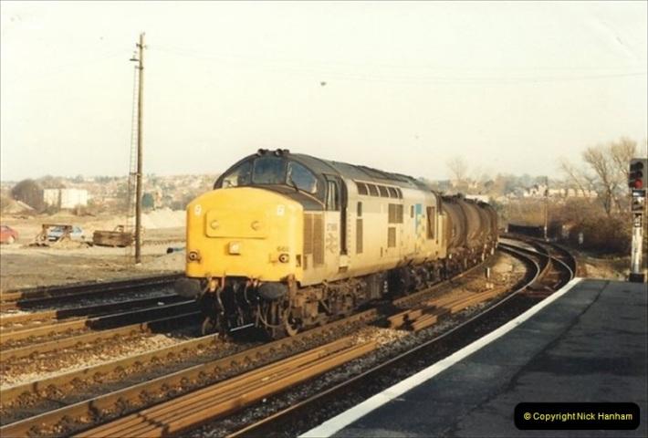 1992-01-06 Salisbury station, Salisbury, Wiltshire.  (23)242