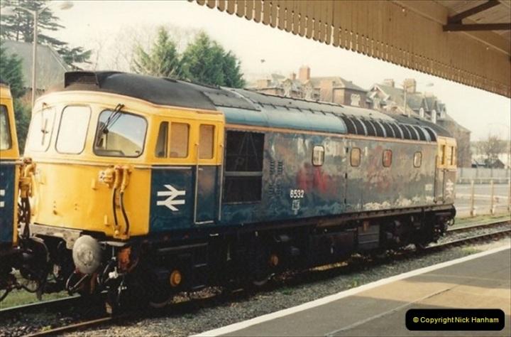 1992-01-06 Salisbury station, Salisbury, Wiltshire.  (27)246