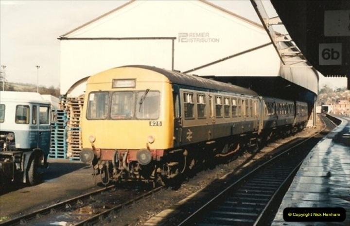 1992-02-15 Exeter St. Davids. Exeter, Devon.  (24)284