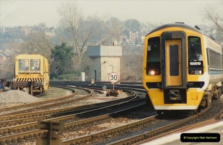 1992-02-29 Salisbury station, Salisbury, Wiltshire.  (4)301