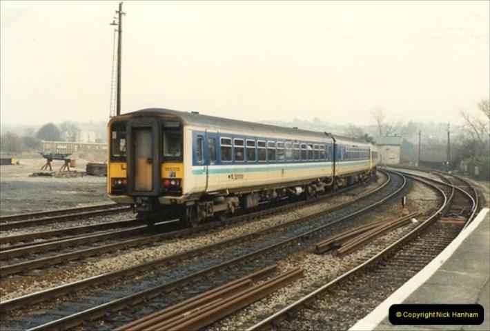 1992-02-29 Salisbury station, Salisbury, Wiltshire.  (10)307