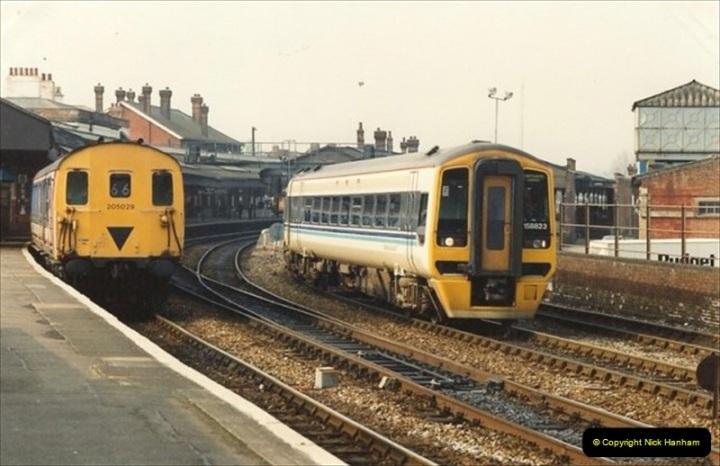 1992-02-29 Salisbury station, Salisbury, Wiltshire.  (11)308
