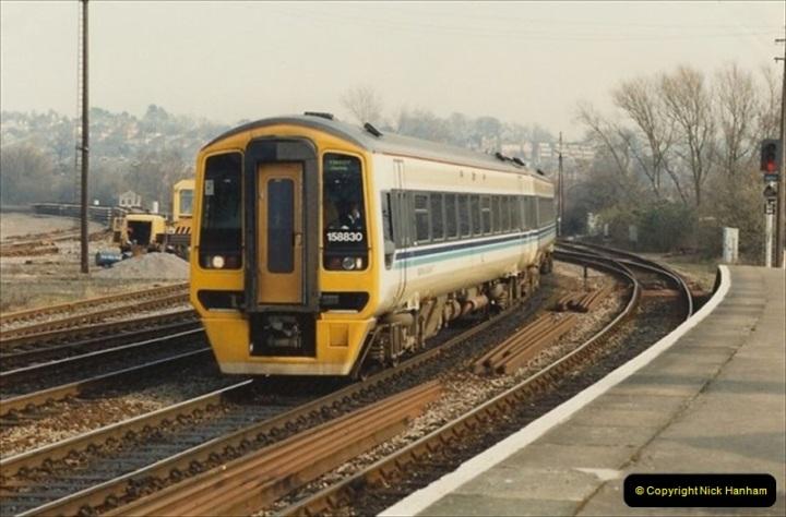 1992-02-29 Salisbury station, Salisbury, Wiltshire.  (12)309