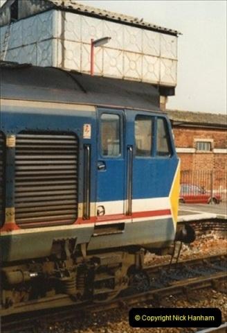 1992-02-29 Salisbury station, Salisbury, Wiltshire.  (19)316