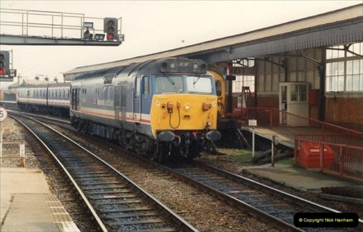 1992-02-29 Salisbury station, Salisbury, Wiltshire.  (21)318