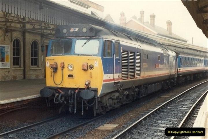 1992-02-29 Salisbury station, Salisbury, Wiltshire.  (22)319