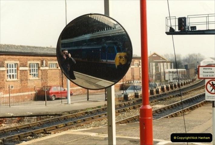 1992-02-29 Salisbury station, Salisbury, Wiltshire.  (24)321