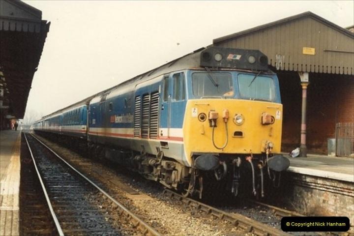 1992-02-29 Salisbury station, Salisbury, Wiltshire.  (29)326
