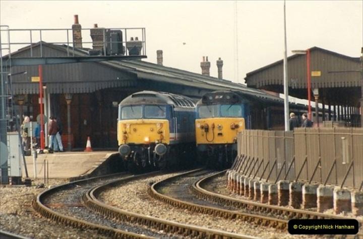 1992-02-29 Salisbury station, Salisbury, Wiltshire.  (33)330
