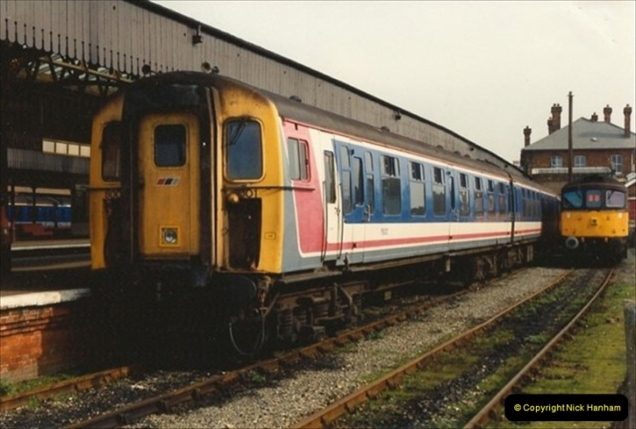 1992-02-29 Salisbury station, Salisbury, Wiltshire.  (34)331