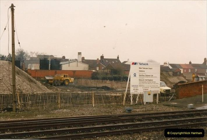 1992-02-29 Salisbury station, Salisbury, Wiltshire.  (50)347