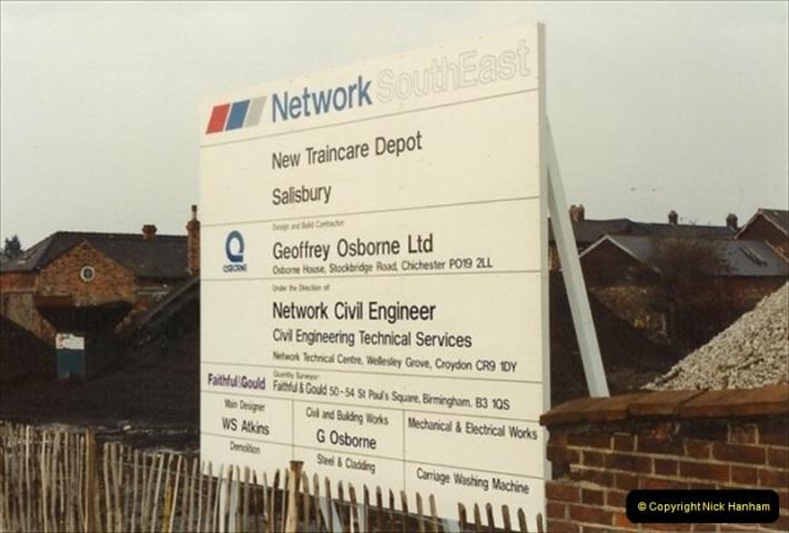 1992-02-29 Salisbury station, Salisbury, Wiltshire.  (51)348