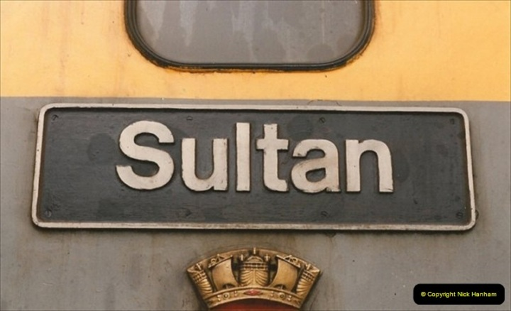 1992-02-29 Salisbury station, Salisbury, Wiltshire.  (56)353