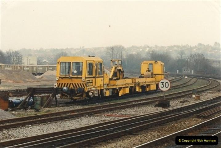 1992-02-29 Salisbury station, Salisbury, Wiltshire.  (60)357