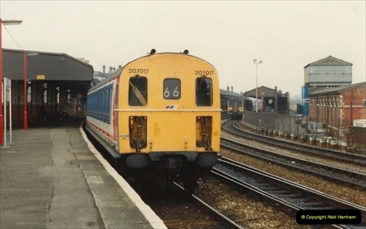 1992-02-29 Salisbury station, Salisbury, Wiltshire.  (63)360