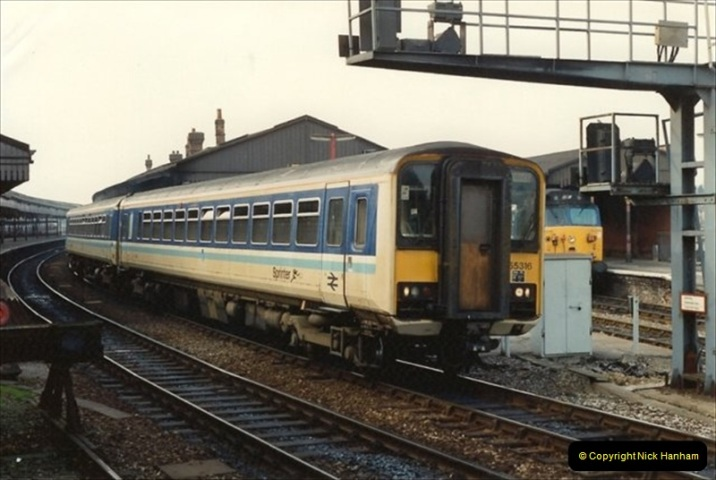 1992-02-29 Salisbury station, Salisbury, Wiltshire.  (67)364
