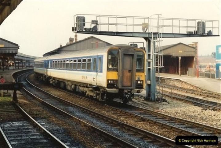 1992-02-29 Salisbury station, Salisbury, Wiltshire.  (69)366