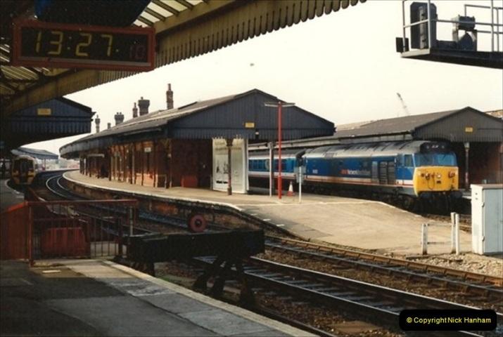 1992-02-29 Salisbury station, Salisbury, Wiltshire.  (72)369