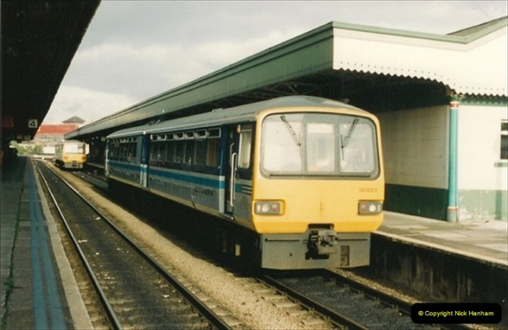 1992-08-26 to 27 Cardiff, South Wales.  (2)580