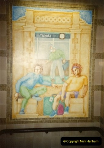 1992-11-21 Exeter St. Davids station, Exeter, Devon.  (4)663