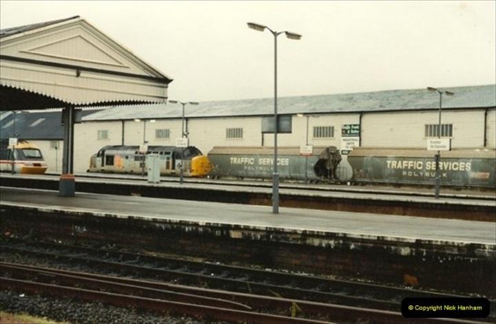 1992-11-21 Exeter St. Davids station, Exeter, Devon.  (8)667