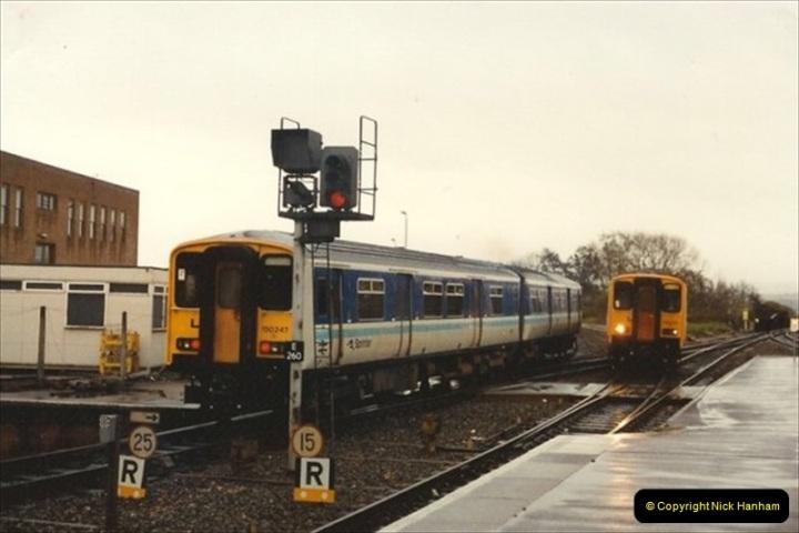 1992-11-21 Exeter St. Davids station, Exeter, Devon.  (14)673