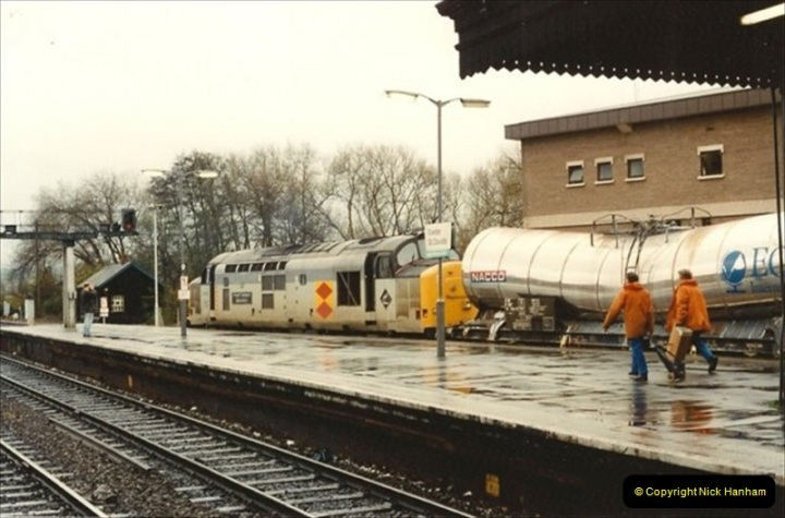 1992-11-21 Exeter St. Davids station, Exeter, Devon.  (16)675