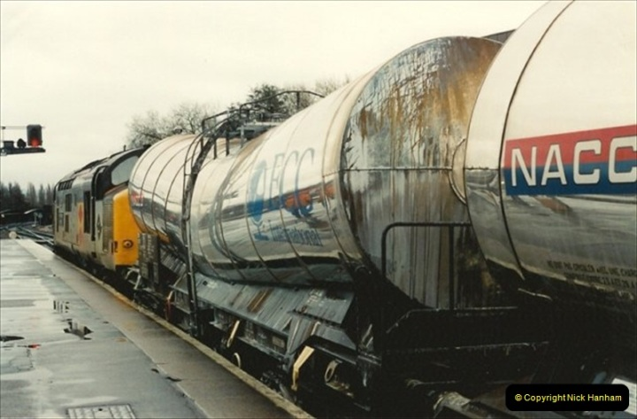1992-11-21 Exeter St. Davids station, Exeter, Devon.  (17)676