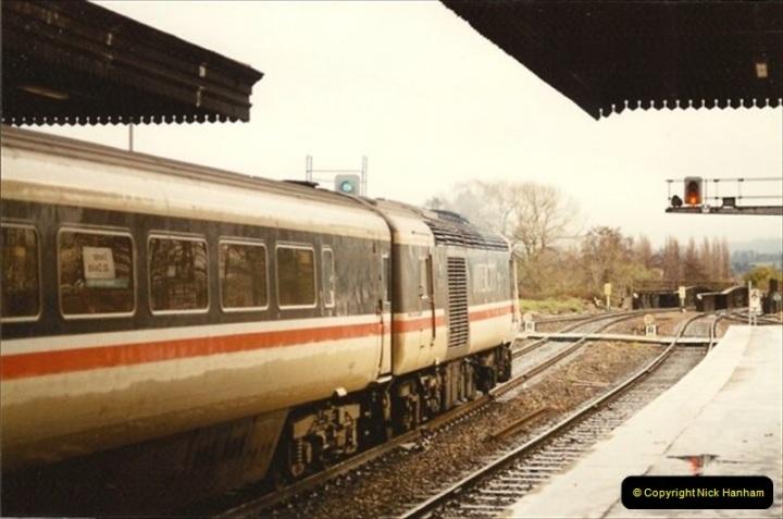 1992-11-21 Exeter St. Davids station, Exeter, Devon.  (28)687