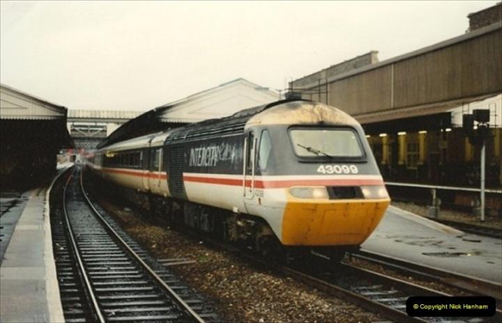 1992-11-21 Exeter St. Davids station, Exeter, Devon.  (36)695