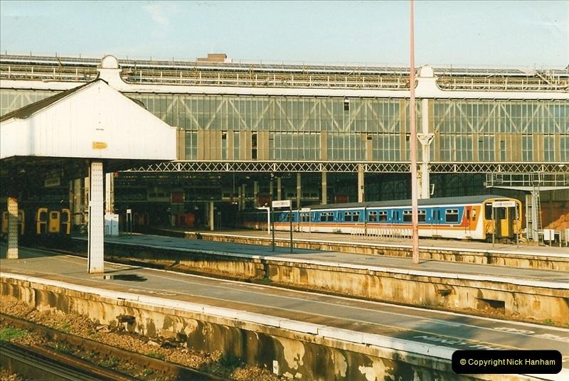 1998-03-28 Waterloo, London.  (1)044
